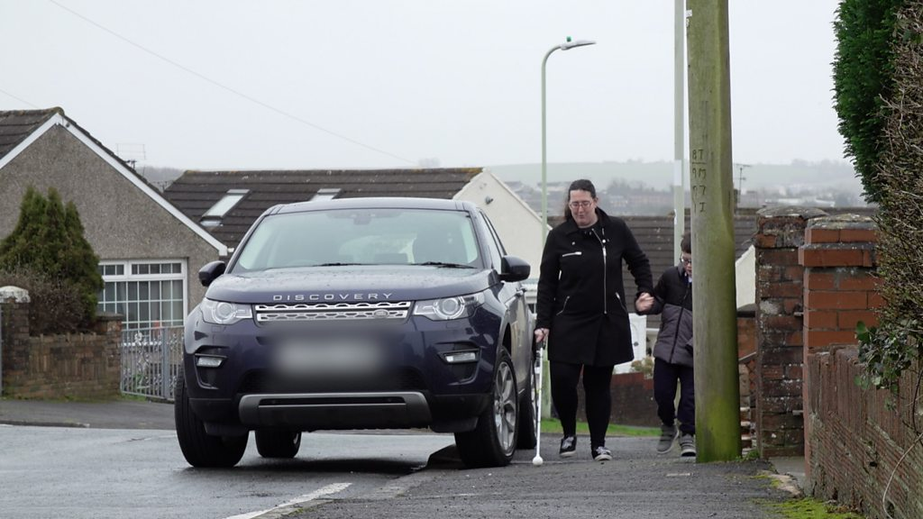 Pavement parking: 'No quick fix to selfish drivers'
