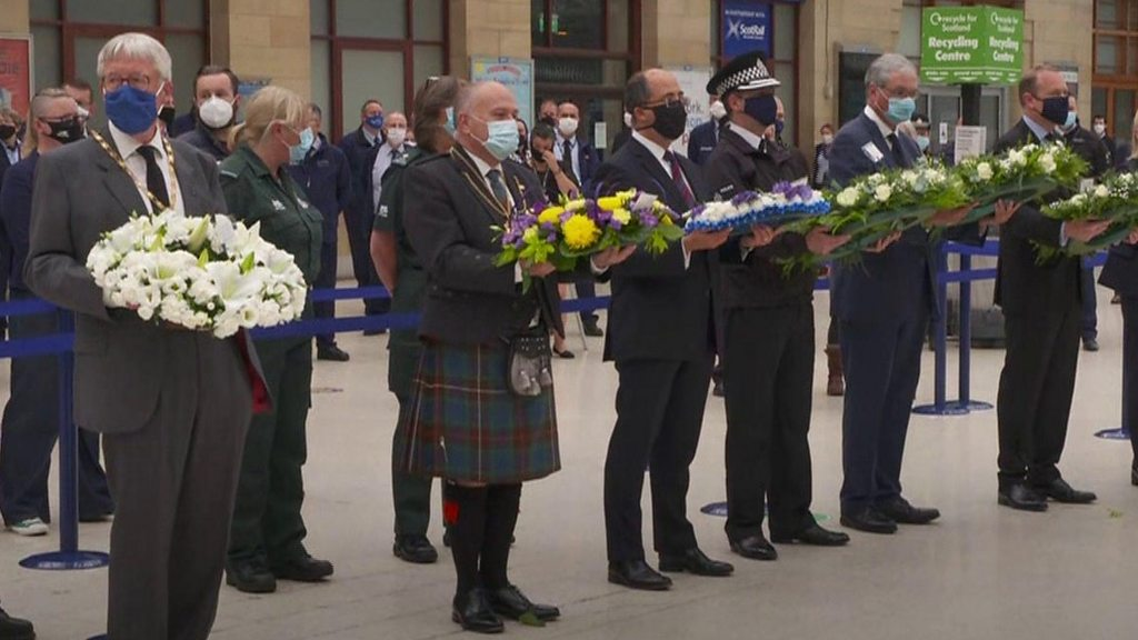 Minute's silence at Glasgow Queen Street