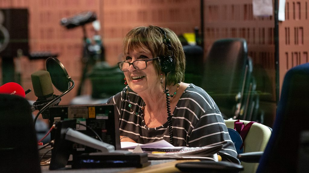 Woman's Hour: Dame Jenni Murray signs off with feminist anthem