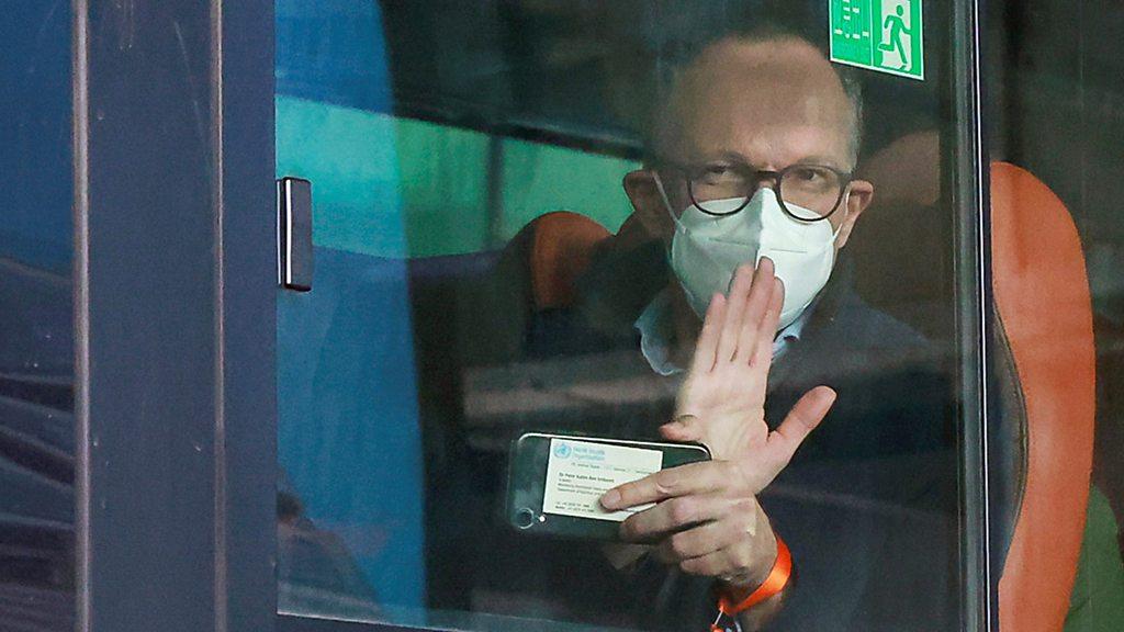 世卫组织专家组抵达武汉,开始调查新冠疫情源头- BBC News 中文