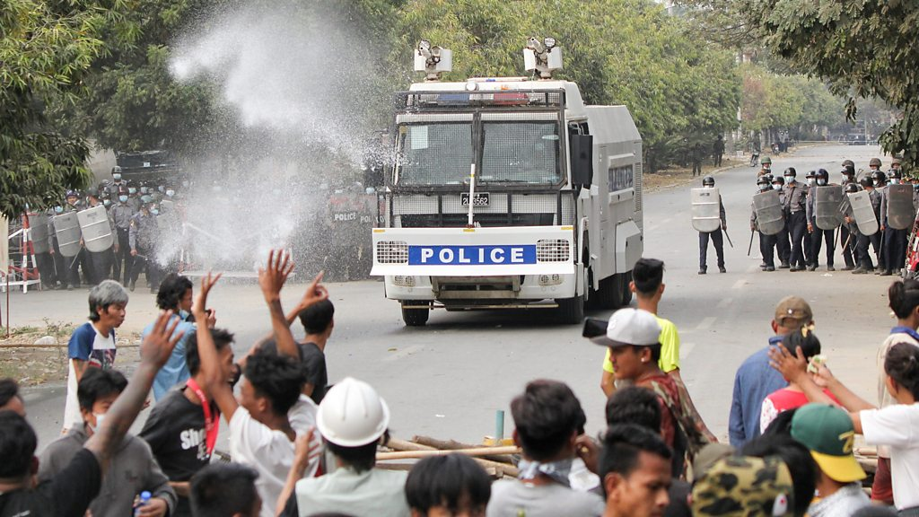 Burmese coup: Police suspected that live ammunition suppressed anti-military demonstrations in Mandalay, two dead and more injured-BBC News