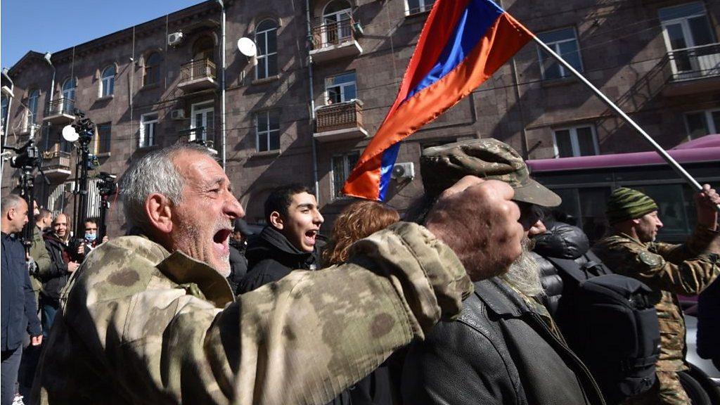 «Оник джан, ты допустил большую ошибку». Пашинян обвинил главу генштаба Армении в предательстве