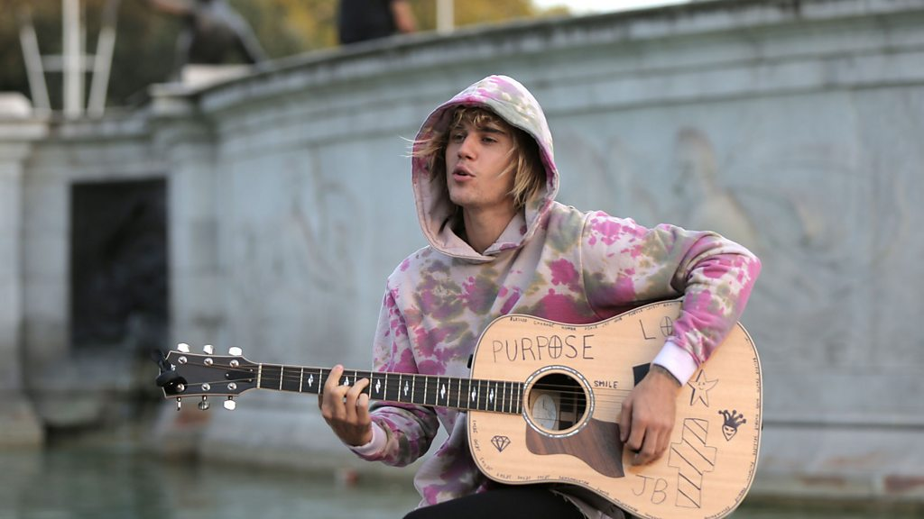 Justin Bieber focusing on 'deep-rooted issues'