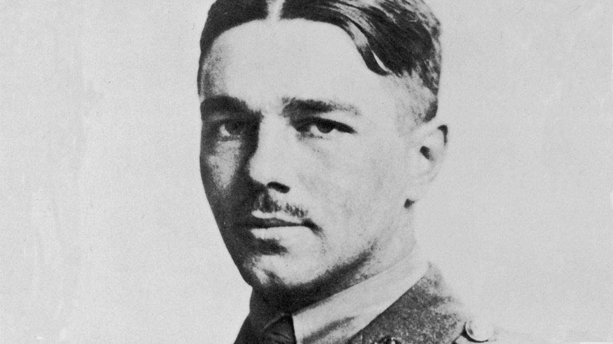 wilfred owen futility Wilfred owen's 'futility' concentrates on the pointlessness of war and even questions life itself the annotation prompts are a supportive tool, intended to encourage further poetry analysis and interpre.