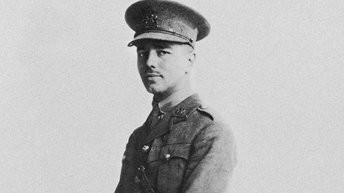 wwi poet wilfred owen Wilfred owen (1893–1918) is one of many world war i soldiers who turned to poetry to express their horror at the war like one-third of all englishmen born in 1893, he was killed in france, only one week before the armistice his anti-war poetry stood in stark contrast to the official propaganda.