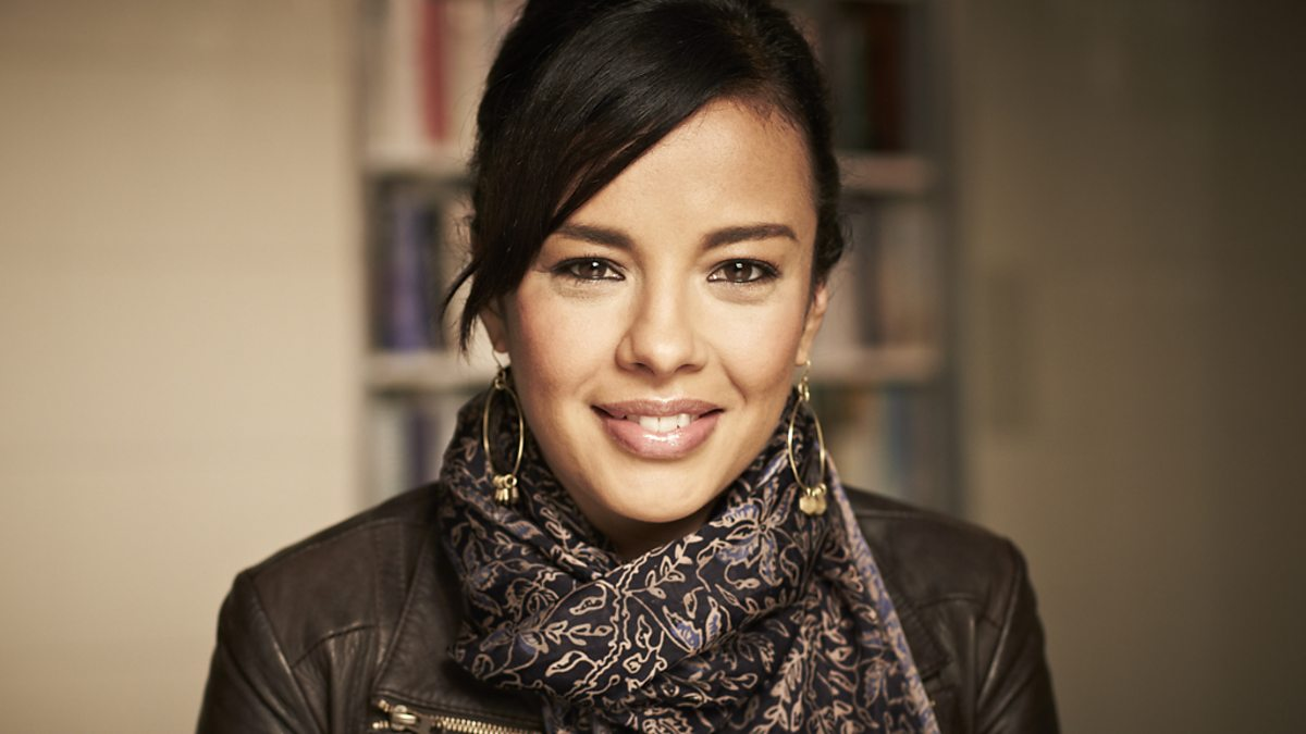 Liz Bonnin Nude Photos 73