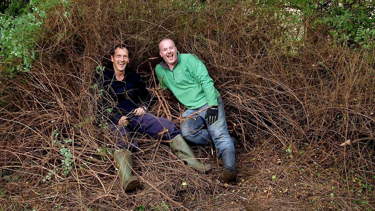bbc two big dreams small spaces series 1 episode 1 richard and helen 39 s overgrown garden. Black Bedroom Furniture Sets. Home Design Ideas