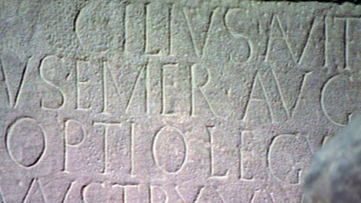 roman writing Roman language: written and spoken latin is complete with adjectives, adverbs, prepositions, and other details that make the job of writing and translating latin.