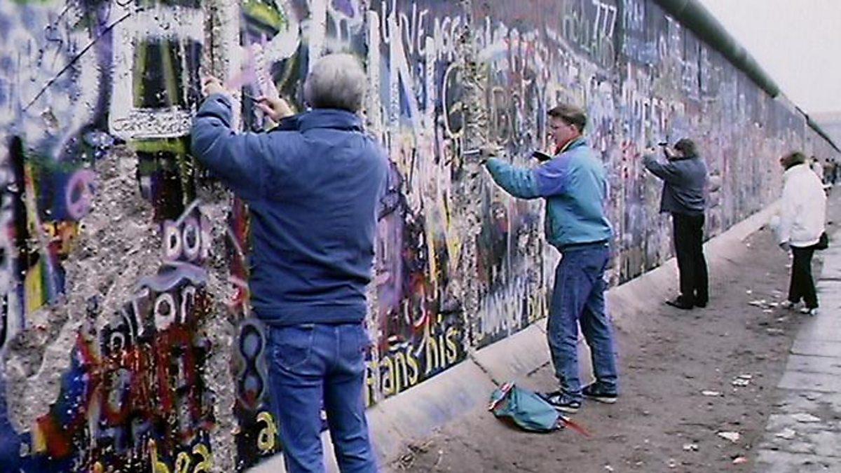 berlin wall 2 essay The speech that brought down a wall.