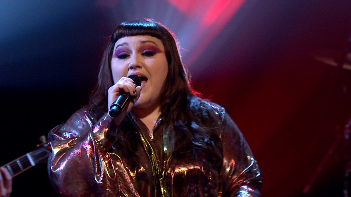 bbc two later with jools holland series 50 live episode 3 beth ditto fire. Black Bedroom Furniture Sets. Home Design Ideas