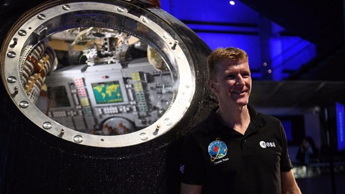 astronaut answers questions in space - photo #29