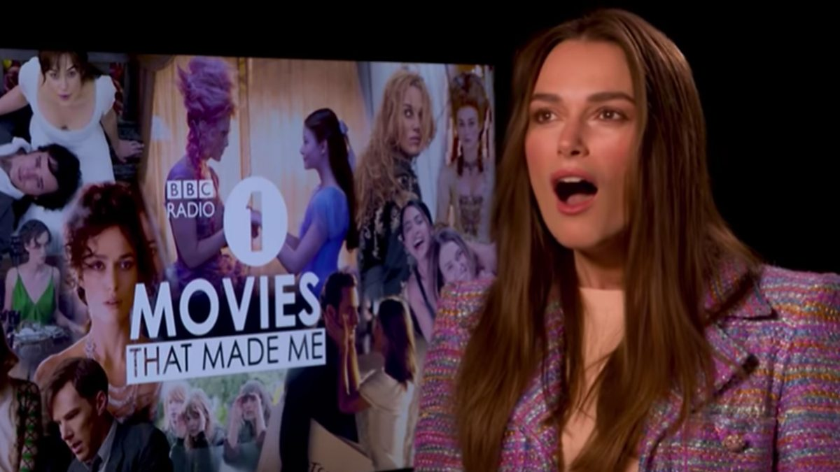 Keira Knightley reveals the hilarious reason behind that hat in Love  Actually b1563bab2ced