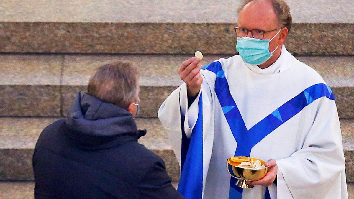 Coronavirus: Germany reopens places of worshi thumbnail