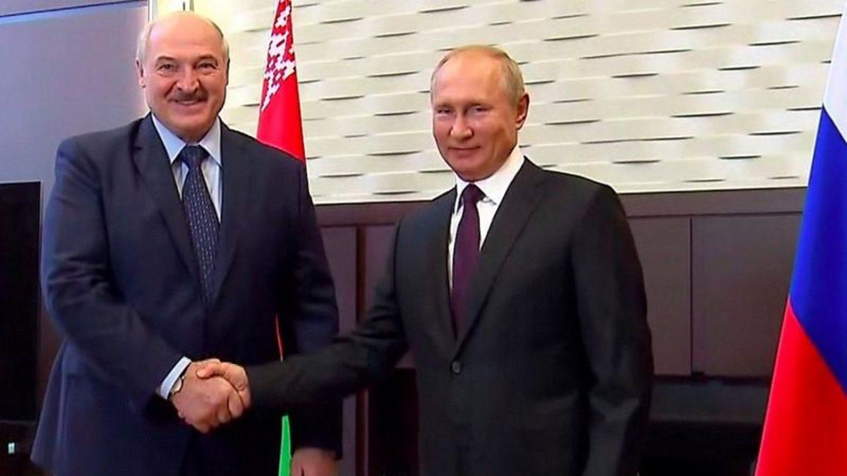 Belarus protests: Putin pledges $1.5bn loan at Lukashenko meeting thumbnail