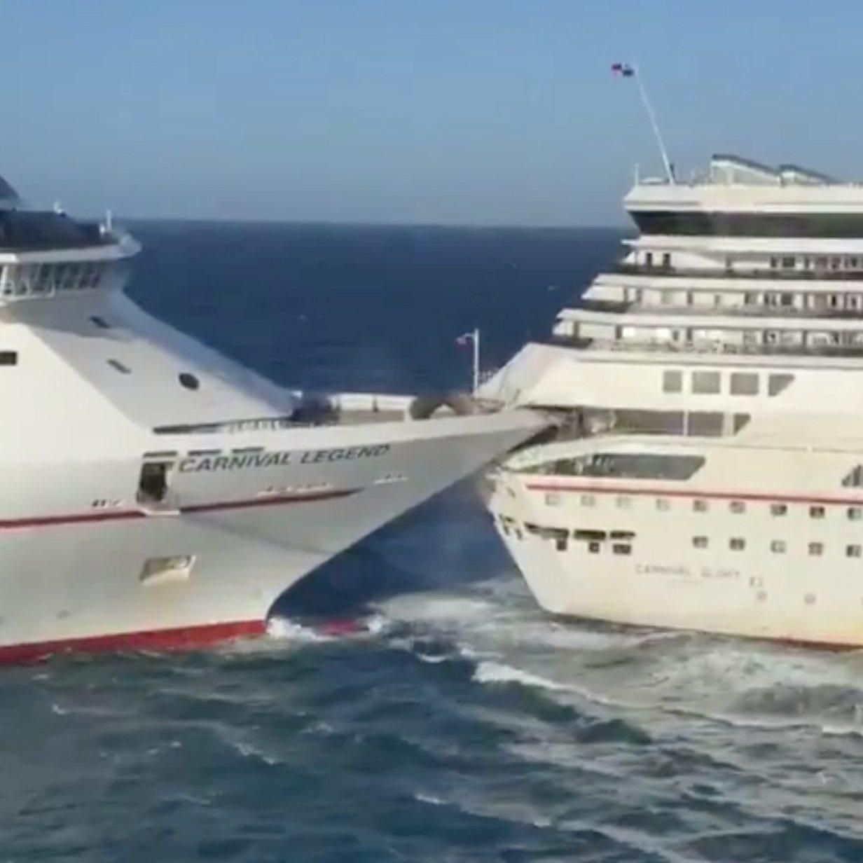Cargo Ship Runs Aground In Bosphorus Strait Istanbul Bbc News