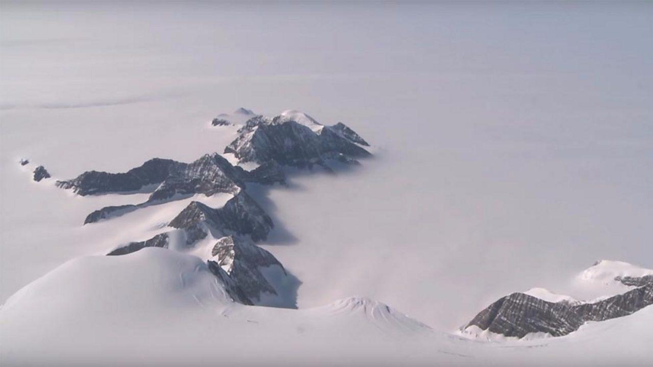 Ice shelves 'need to calve icebergs'
