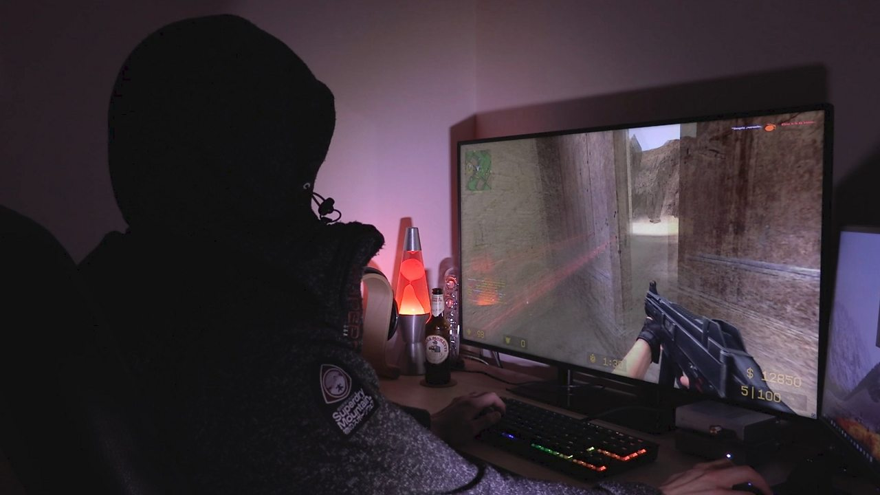 Addicted video gamer 'used drugs to stay awake and play'