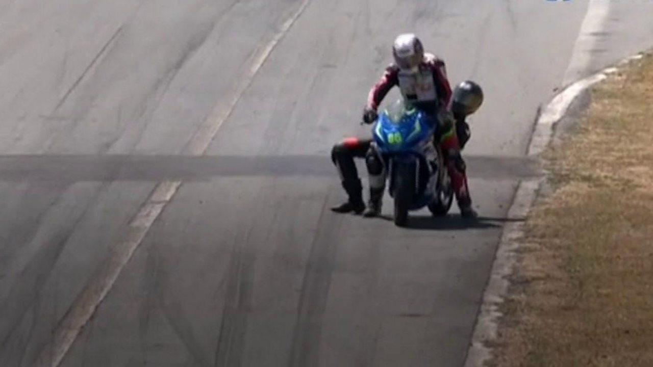 Costa Rica motorbike race erupts into trackside fight