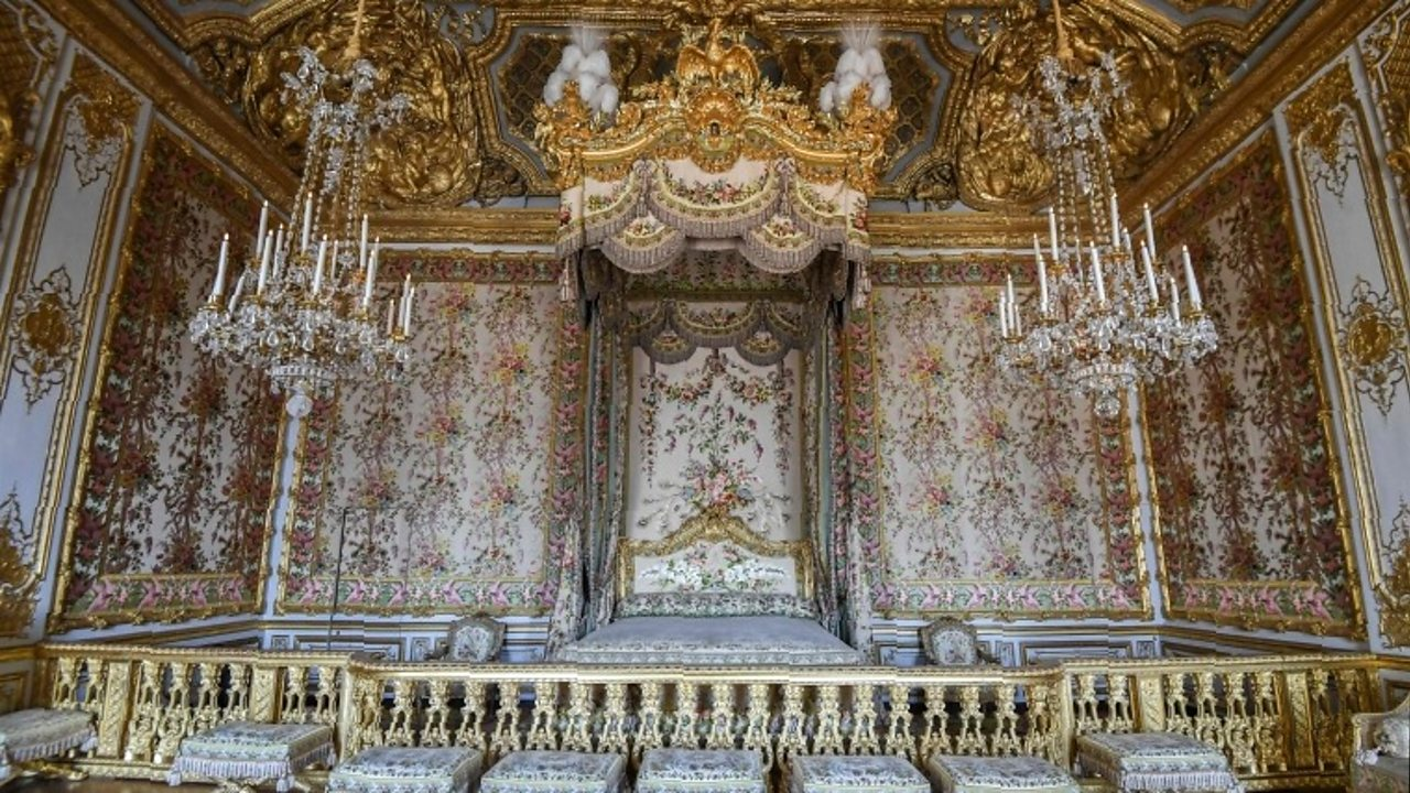 Marie Antoinette's Versailles apartments on display