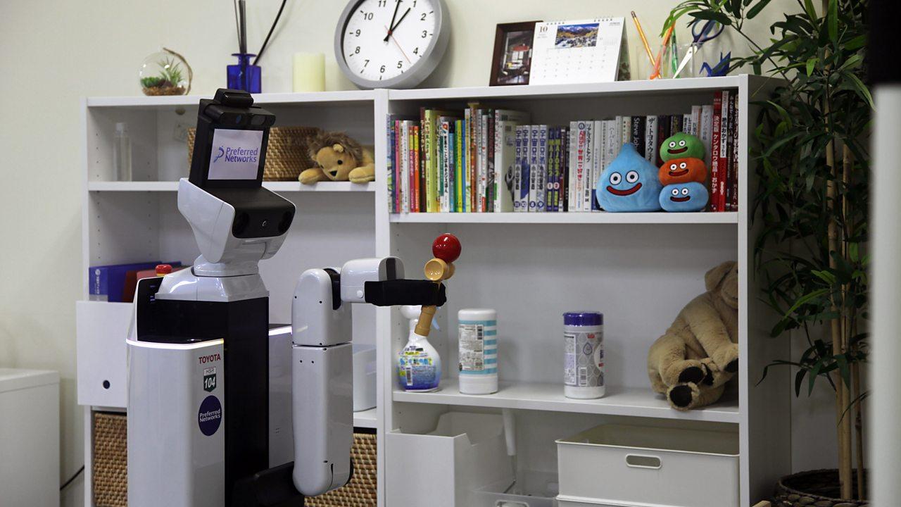 The robot that tidies up bedrooms