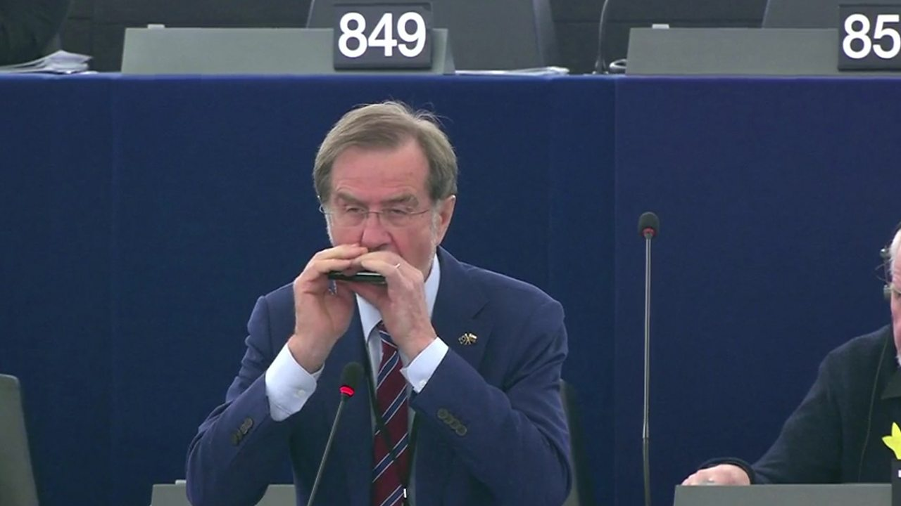 European parliament given surprise musical performance