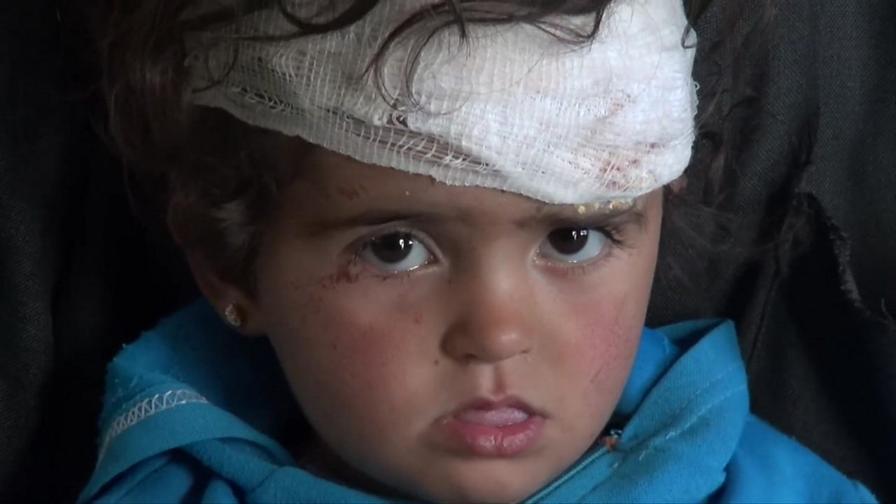 Syria war: Toddler 'only one left' after air strike