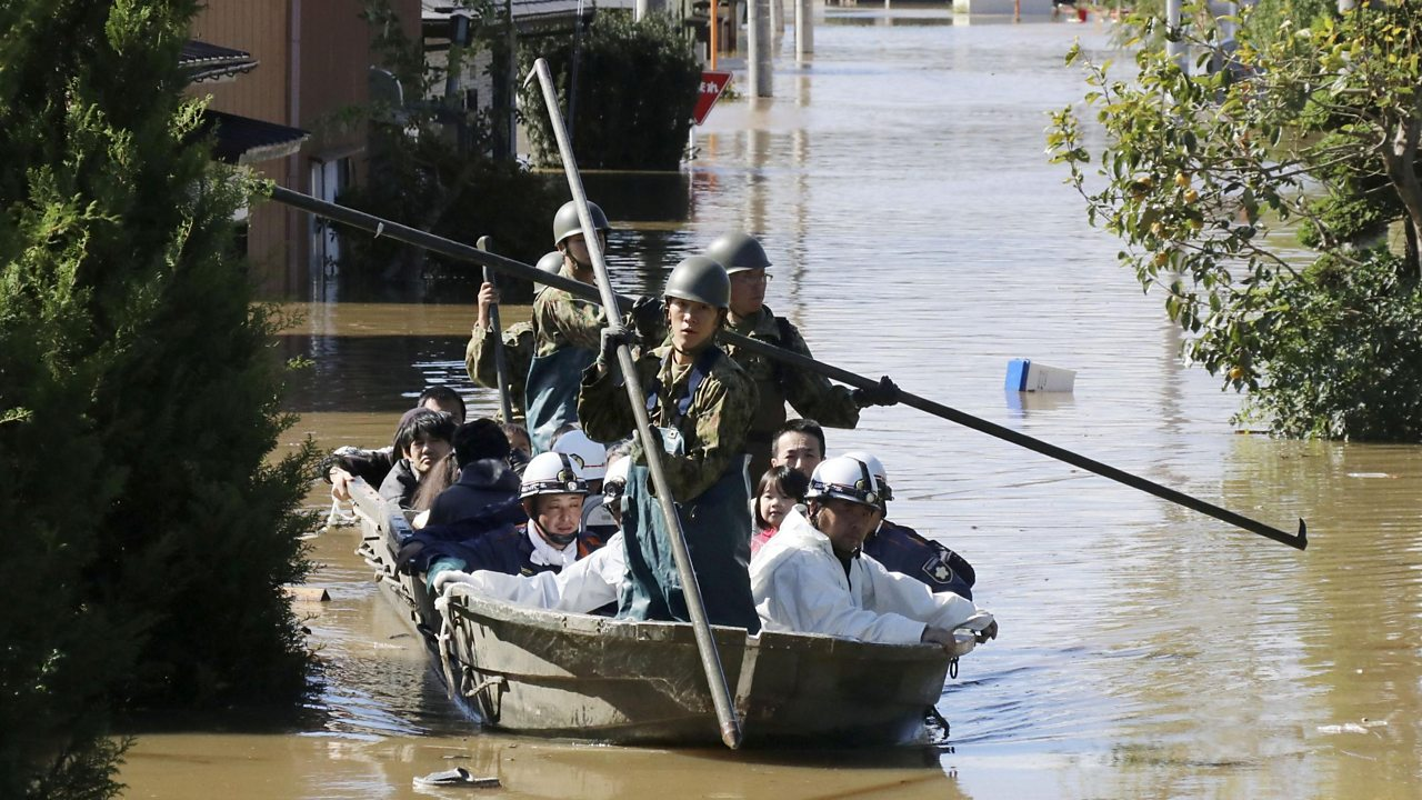 Typhoon Hagibis: Rescuers deployed in wake of deadly storm