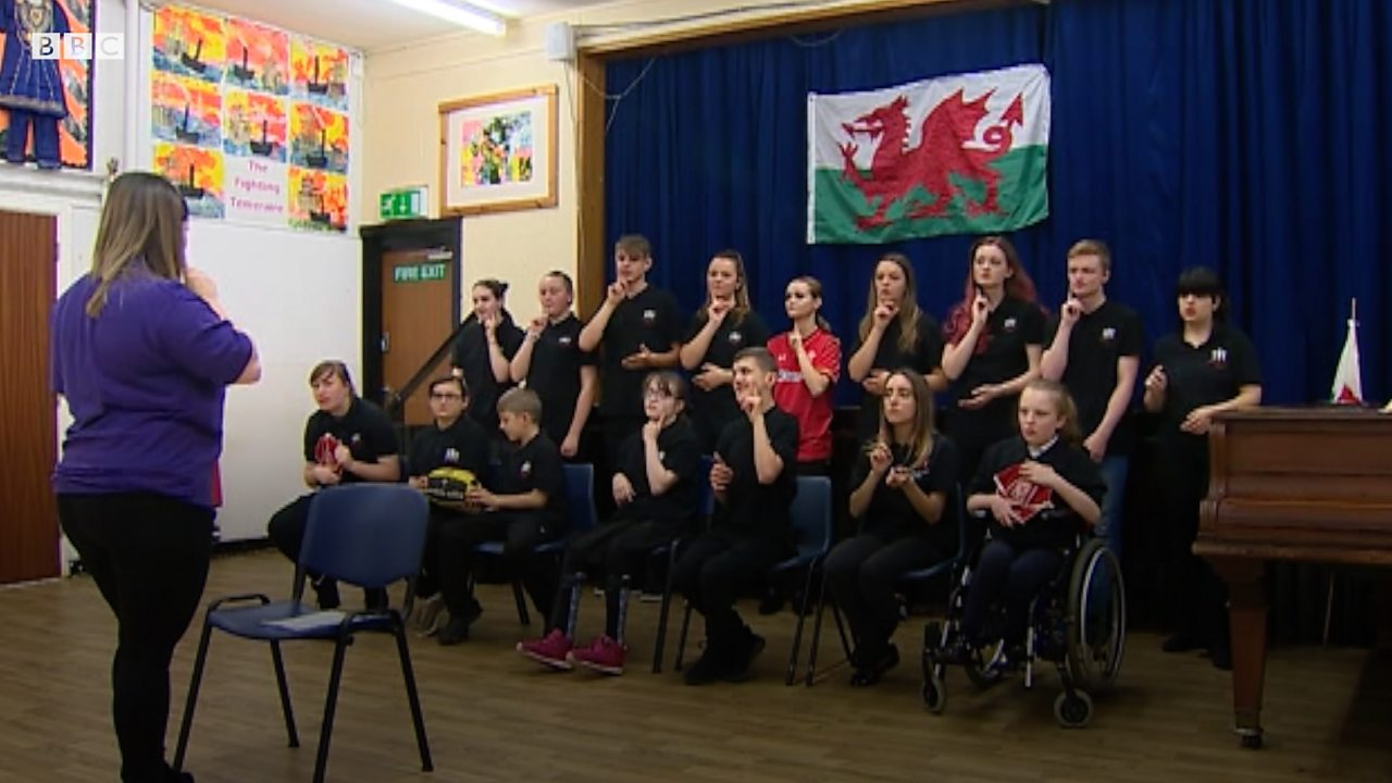 Rugby World Cup: The choir signing the Welsh national anthem