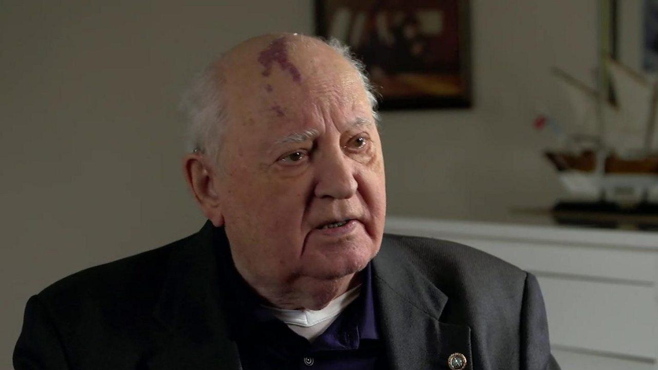 Mikhail Gorbachev tells the BBC: World in 'colossal danger'