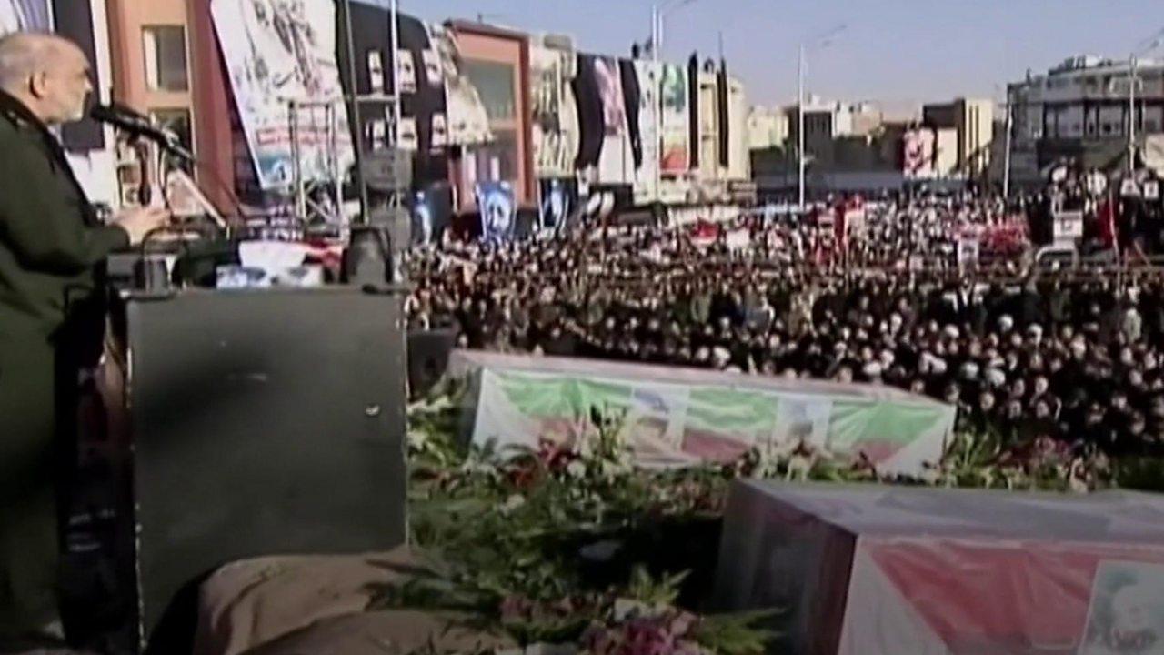 Qasem Soleimani: Stampede kills 50 mourners at burial in Iran