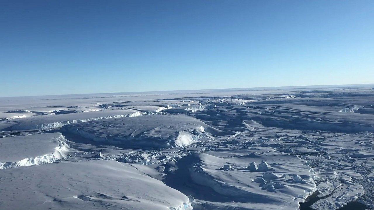 Antarctica melting: Journey to the 'doomsday glacier'