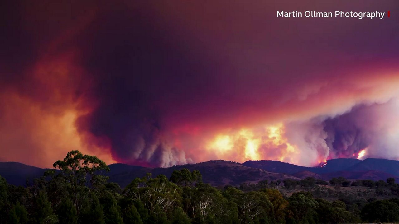 Australia fires: Blaze 'sparked by helicopter lights' rages near Canberra