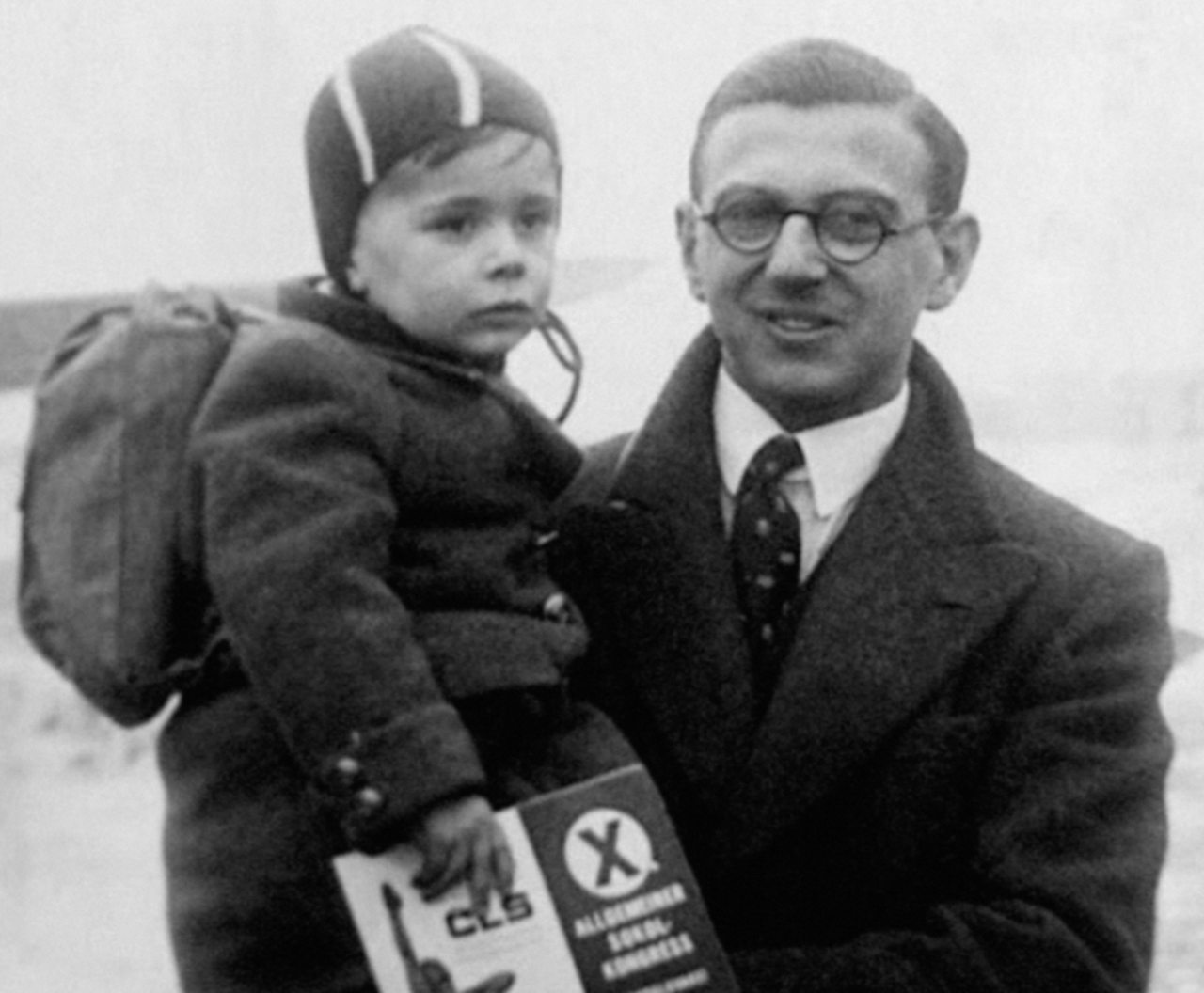 Nicholas Winton with  one of the children he rescued in 1939.