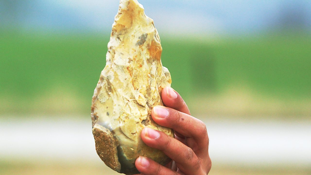 Discovering Stone Age tools made of flint