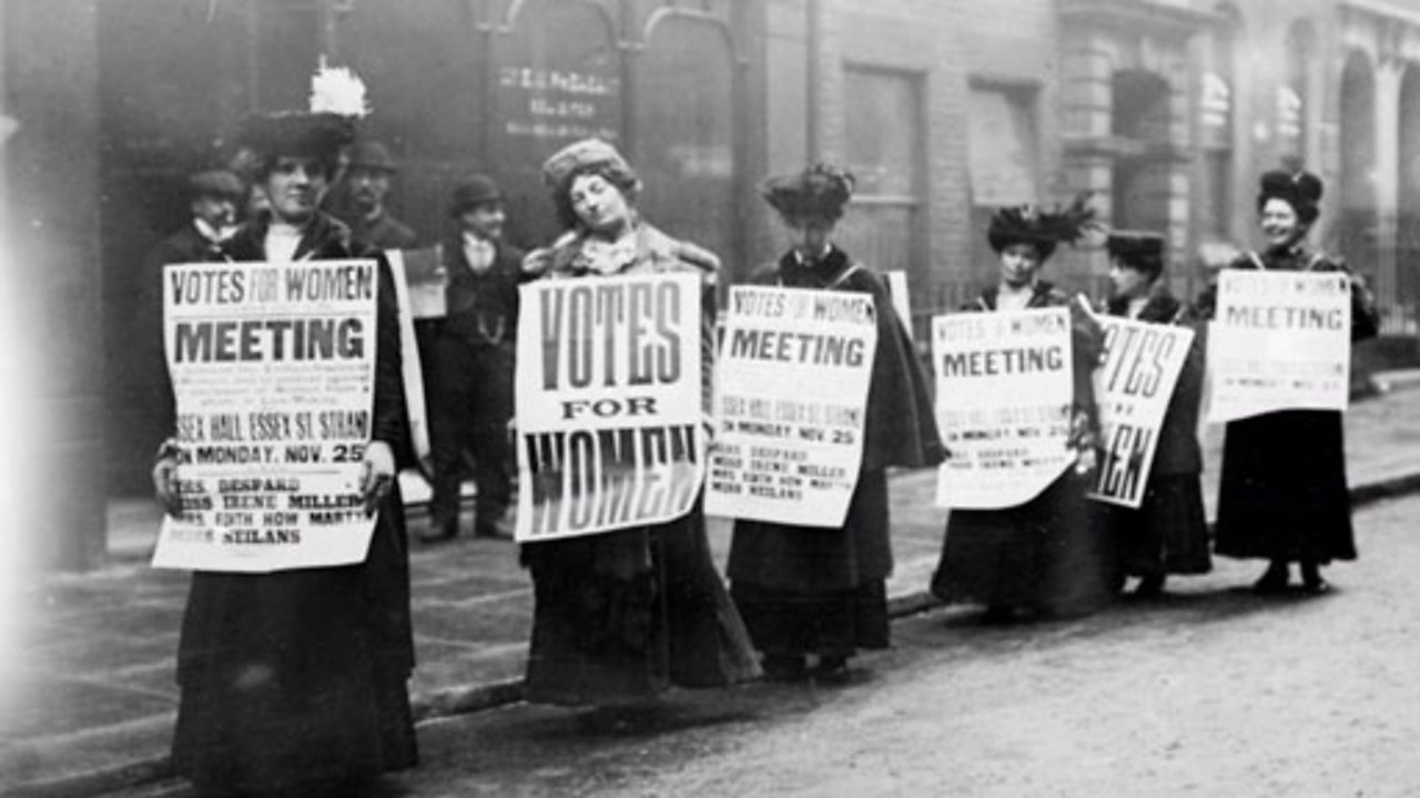 How the suffragette movement changed at the start of WW1