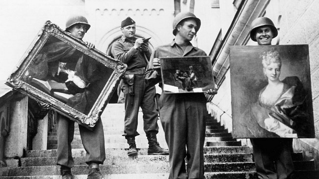 US soldiers recovering looted paintings in Germany
