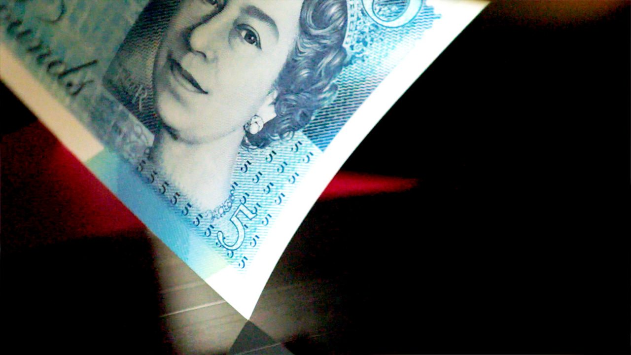 Edge of £5 note placed on record