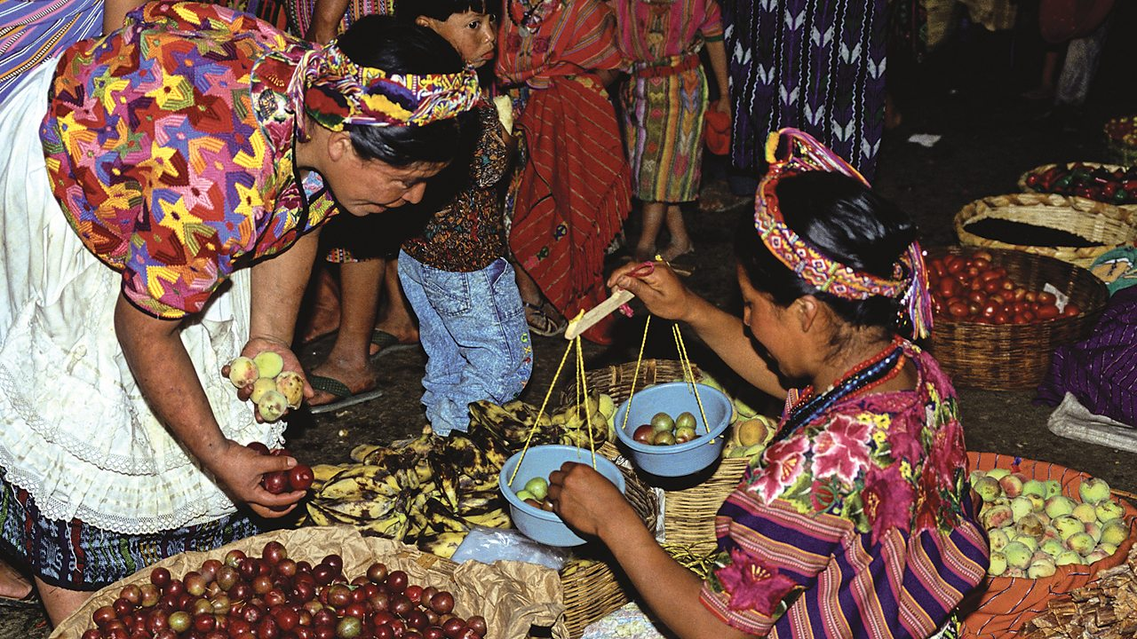 Mayas selling fruit at a market