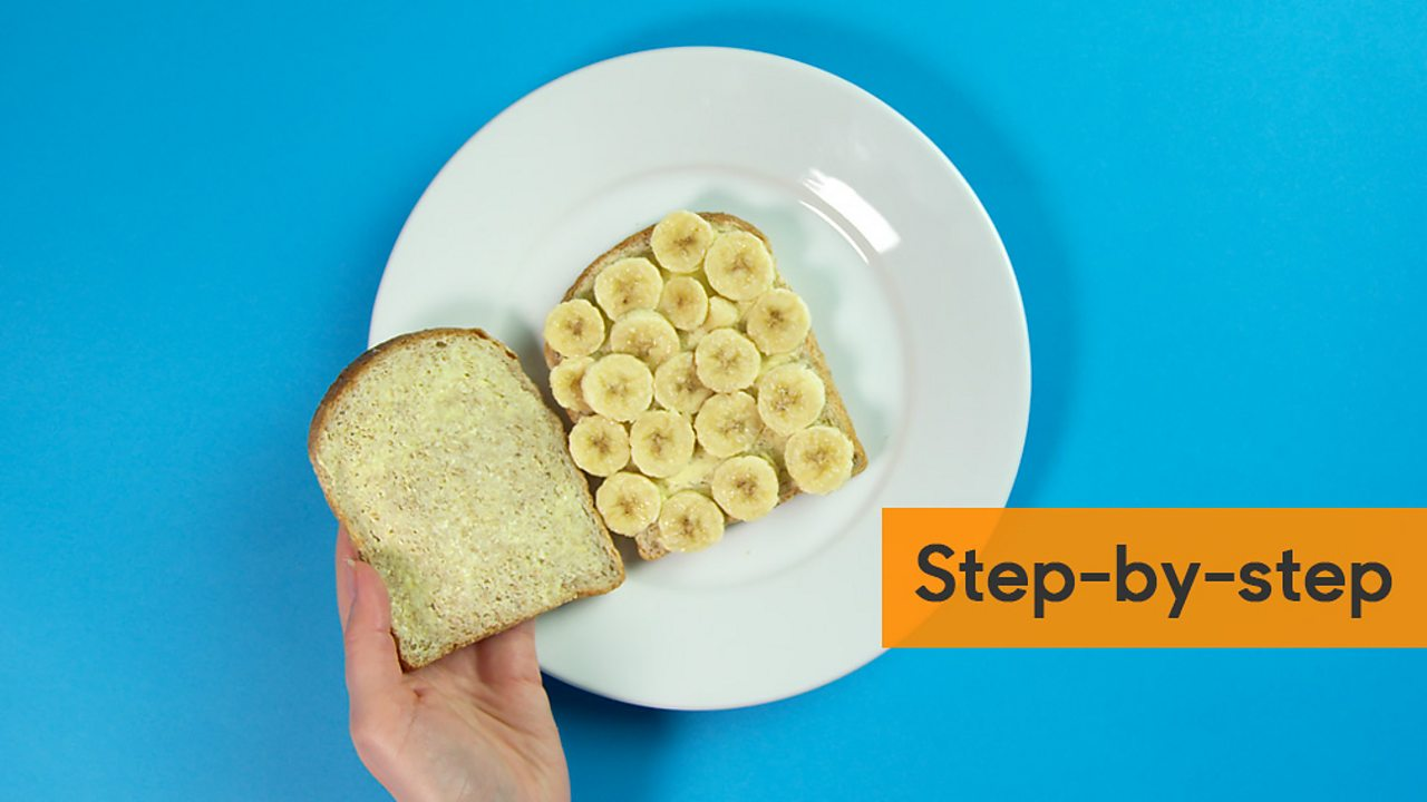 An image of an open banana sandwich with a step by step graphic next to it
