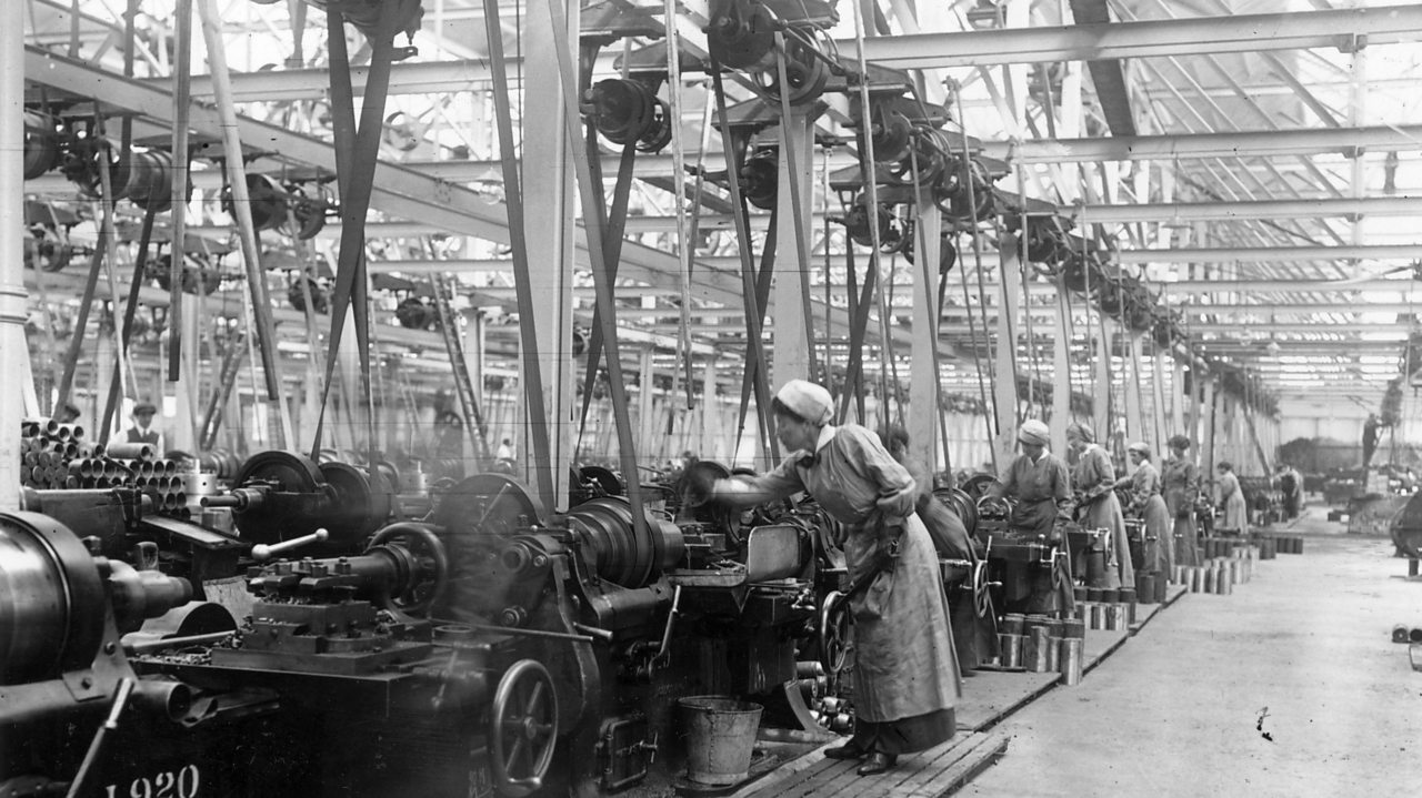 Women working in a big armaments factory during World War One