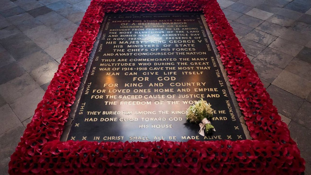 The Unknown Warrior's tomb in Westminster Abbey, with Meghan Markle's wedding bouquet