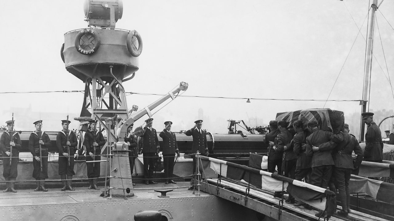 The Unknown Warrior's coffin being taken onto the HMS Verdun