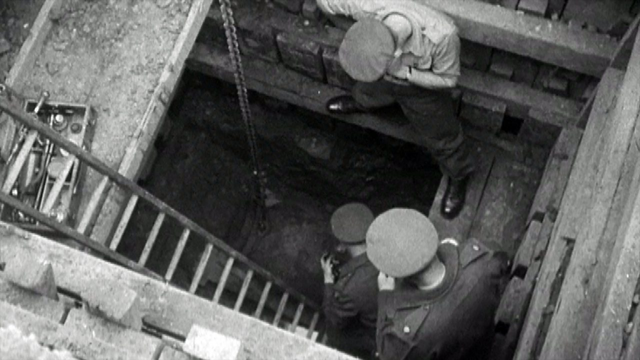 Unexploded WW2 bomb removed from hospital, 1949