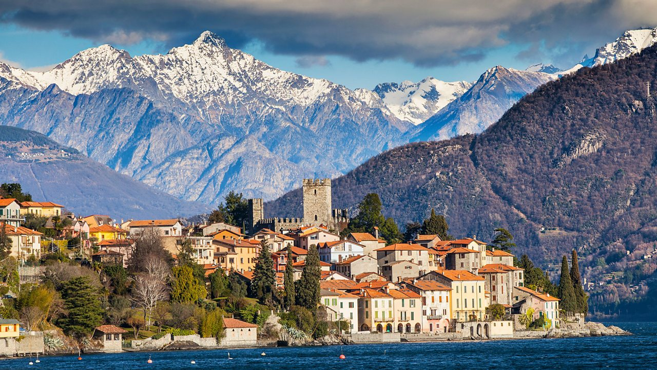 Lake Como is a popular tourist destination in Italy.