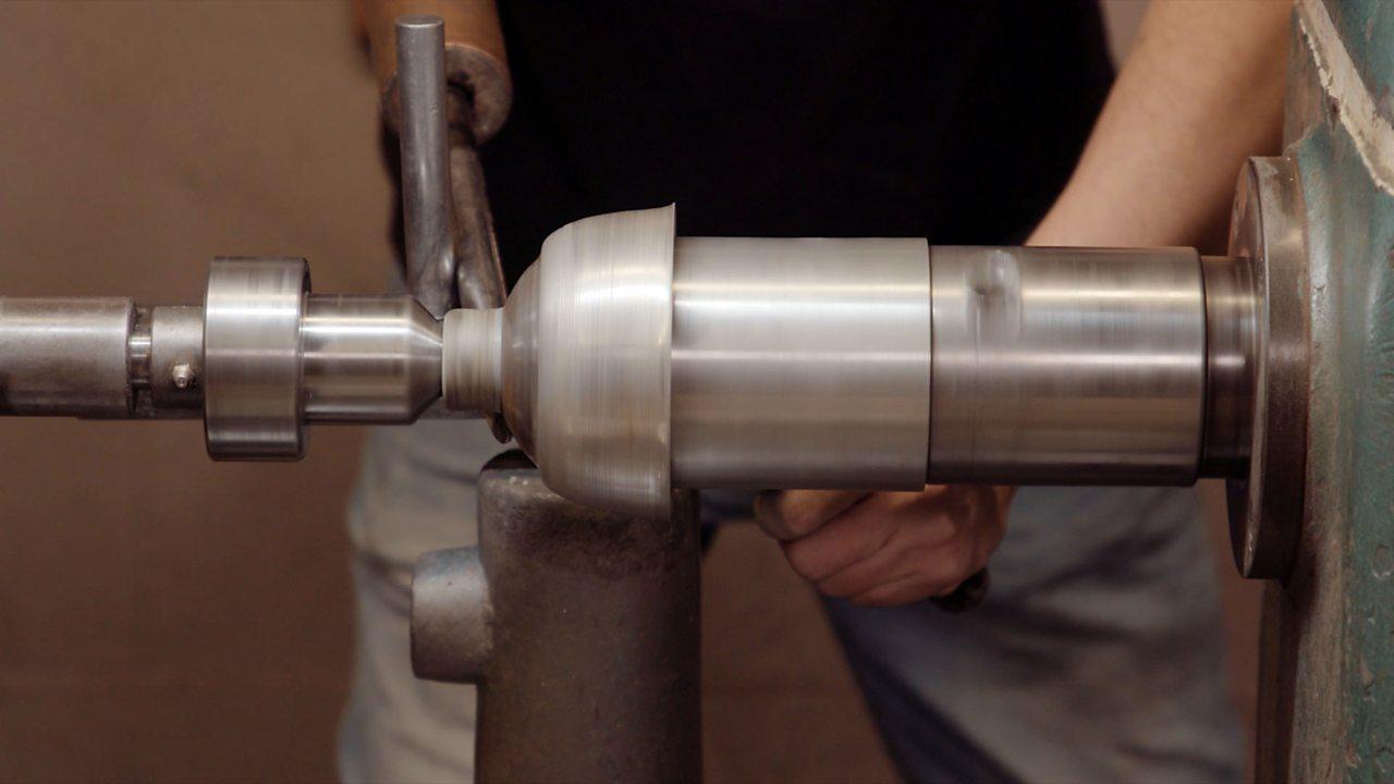 Varis: silversmith