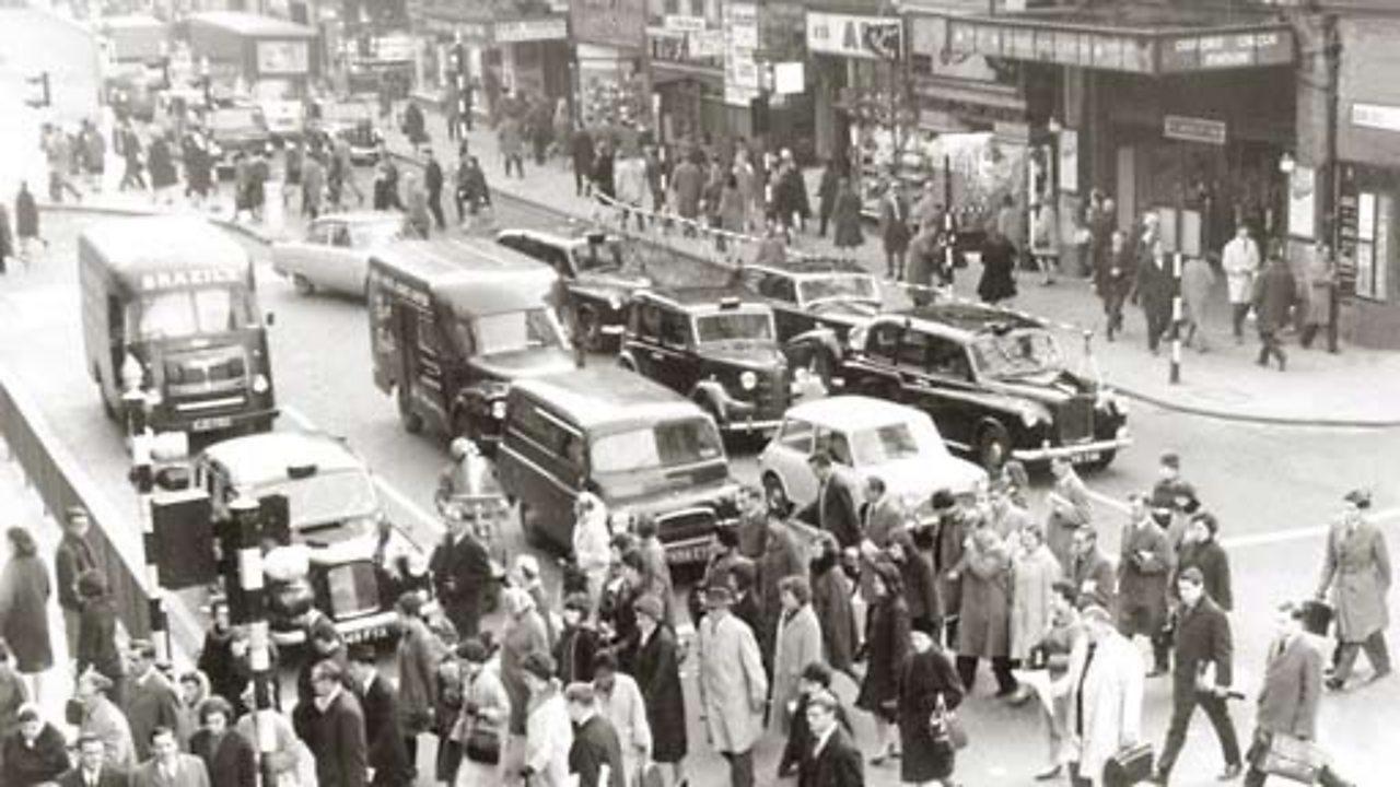 Easter traffic, 1961