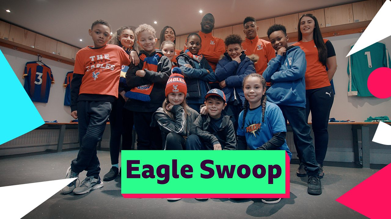 Just for Fun: Crystal Palace players do the 'Eagle Swoop'