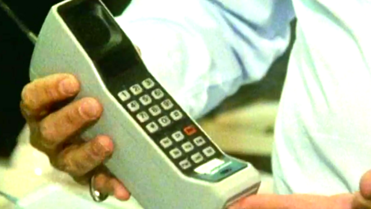 US phones from novelty to cellular, 1985