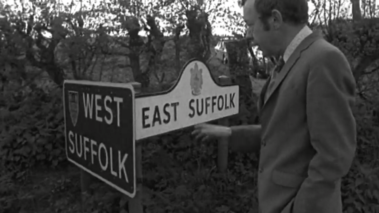 Town borders - east or west? - 1971