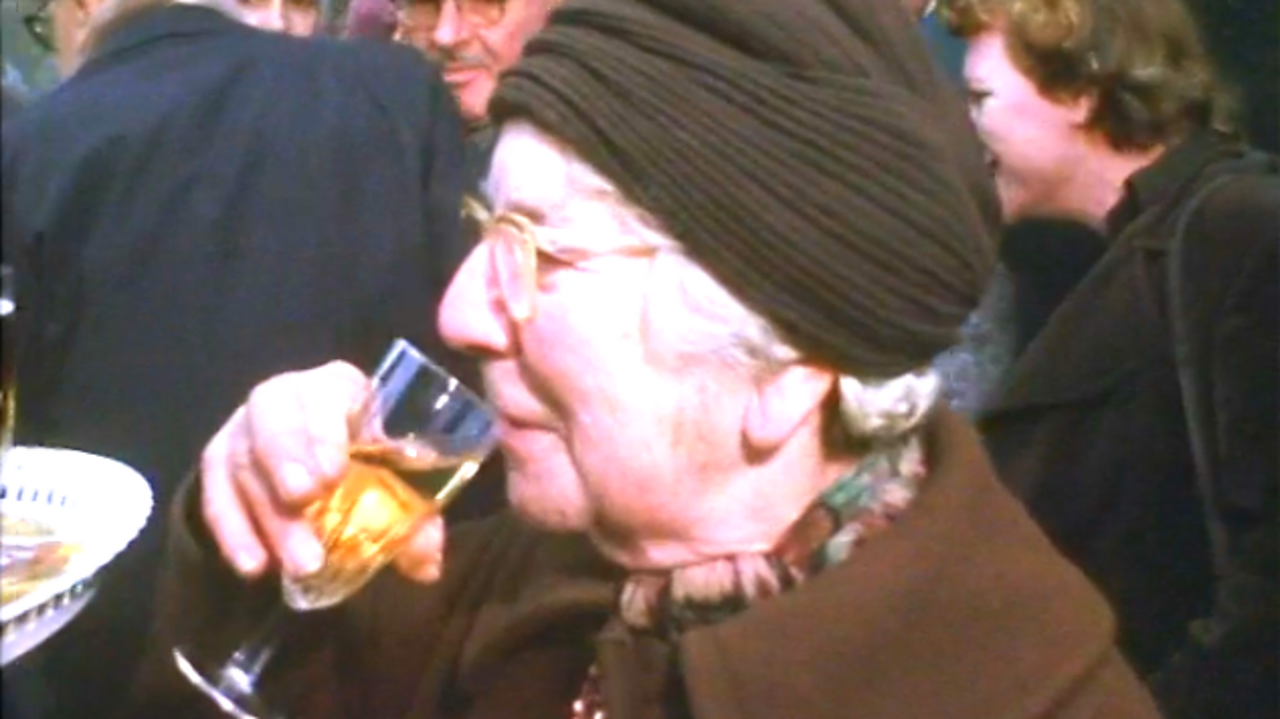 That's Life: Champagne lady, 1976